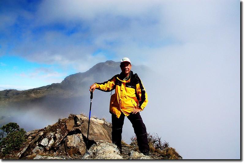 南湖大山南峰(Elev. 3475 m) 1