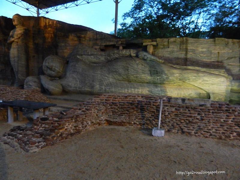 Гал Вихара - главный храм Поллунарава