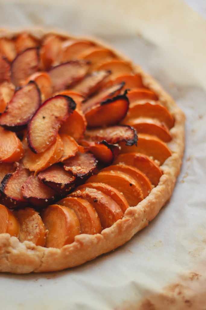 persimmon-plum galette via chevrons and eclairs