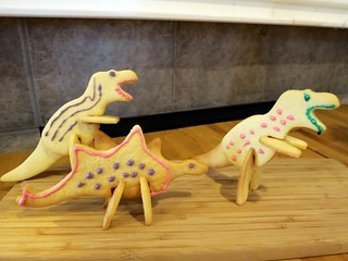 3D T-Rex and Stegosaurus cookies