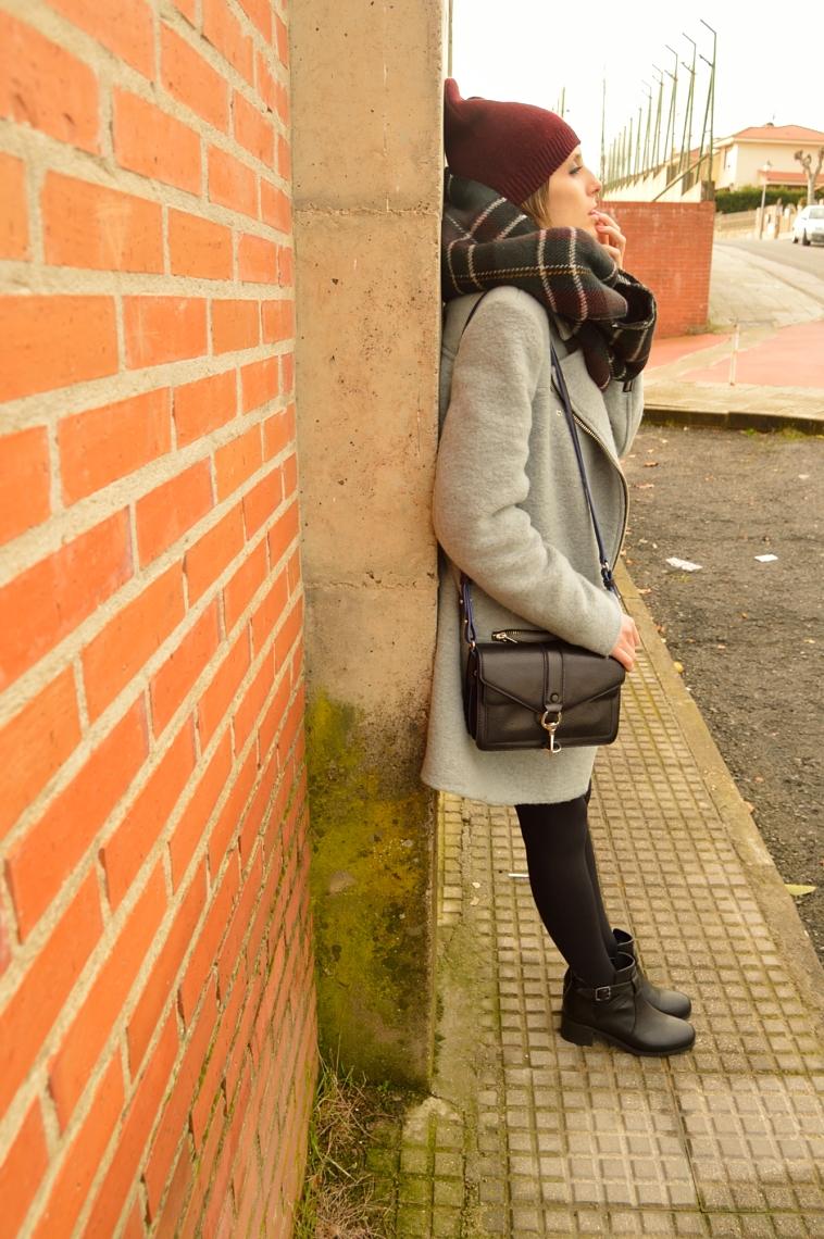 lara-vazquez-madlula-details-black-details-rebecca-minkoff-bag-black-boots-burgundy-beanie