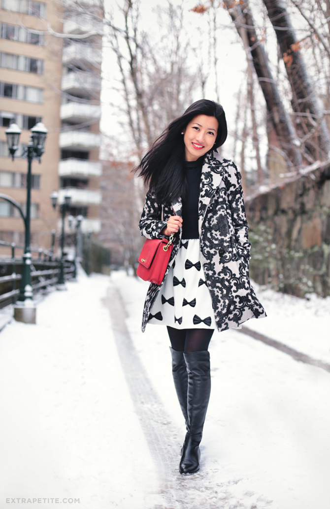 snow day scroll print coat3