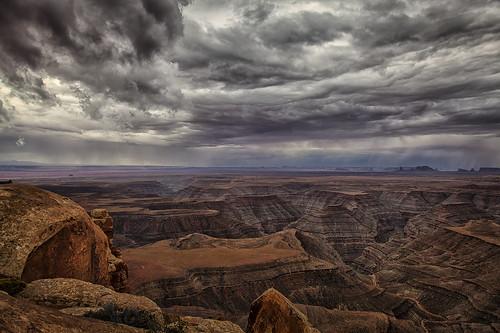 thunderstorm monumentvalley muleypoint cedarmesa goosenecksofthesanjuan southwestmonsoon