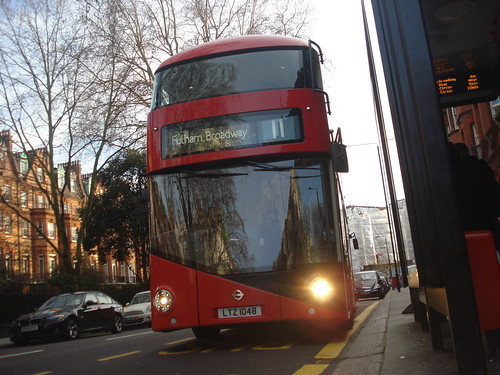 London General LT48 on Route 11, Sloane Square