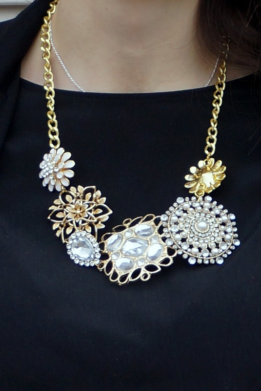 close up of DIY statement necklace