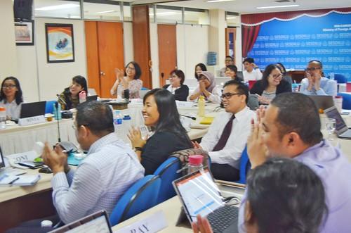Workshop Amazing Slide miniMAX with Pakar Slide Dhony Firmansyah bersama Kementerian Luar Negeri (SESDILU)