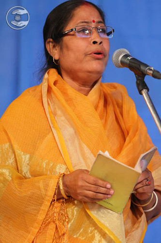 Devotional song by Mona from Tollyganj, West Bengal