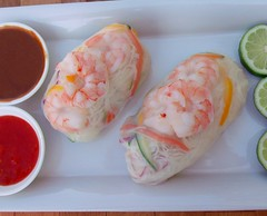 SHRIMP AND RICE STICK PILLOWS WITH PEANUT SAUCE AND SWEET CHILI SAUCE
