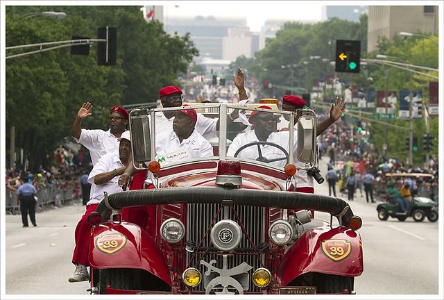 Annie Malone Parade 2013-05-19 10