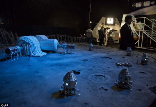 НАСА: астронавты будут жить на Луне к 2020 году