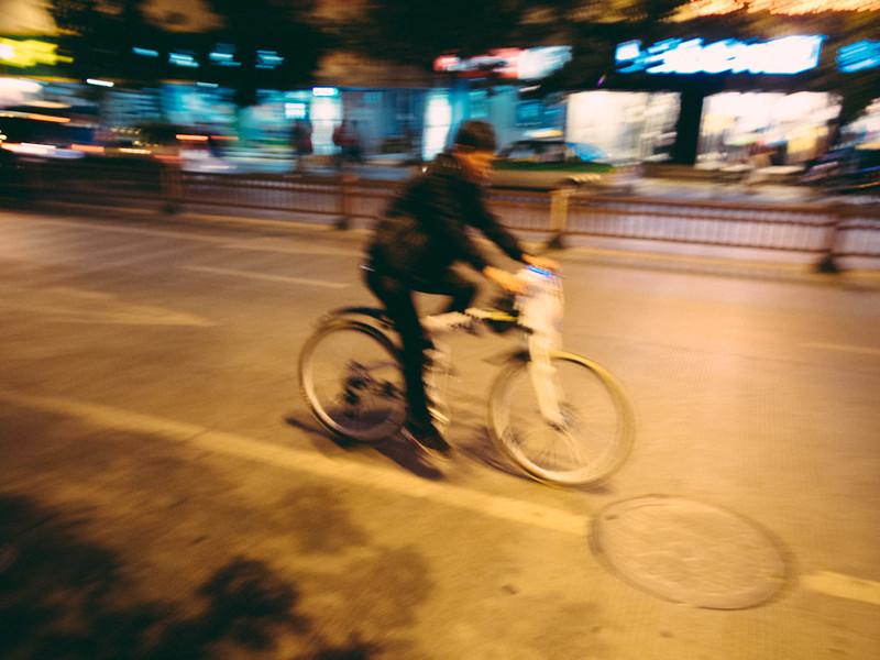飄。Fly 【外地遊記】<br>當單車在夜裡的麗江古城時... 【外地遊記】當單車在夜裡的麗江古城時… 9341092017 6915191134 c