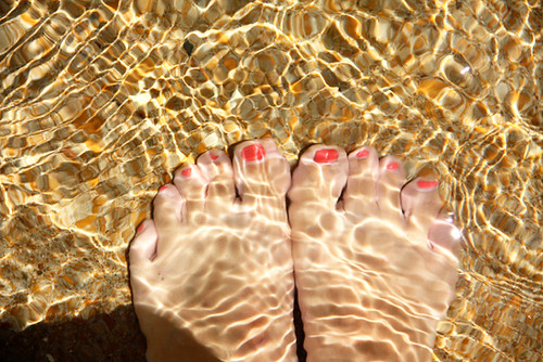 My-toes-under-water