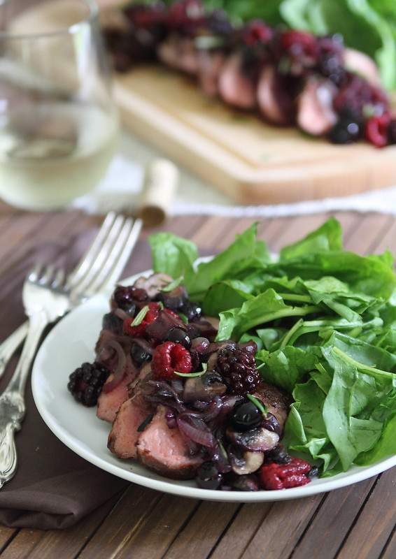 Cocoa spiced rubbed pork tenderloin with crimini berry sauce | runningtothekitchen.com
