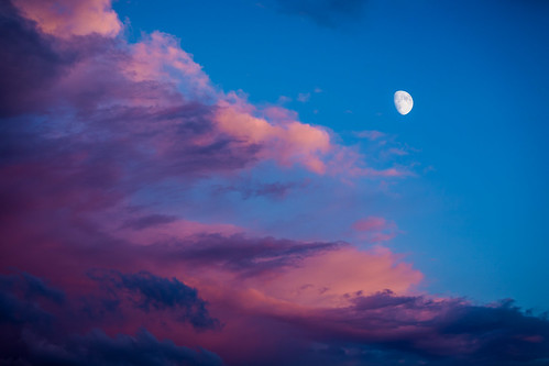 blue sunset red sky orange moon clouds skyscape colorful purple magenta daynight