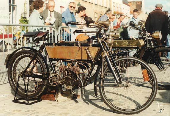 Moser_1906_330cc
