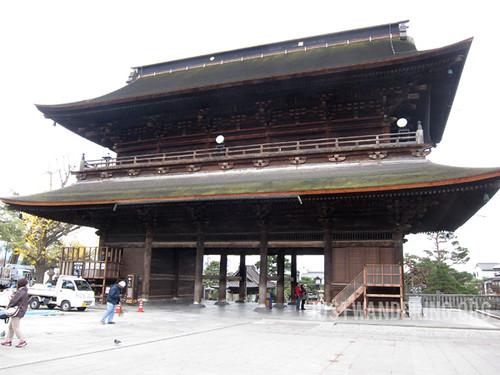 Zenzoji Temple Gate