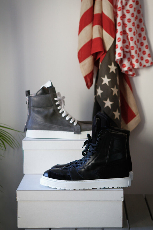 Tuukka13 - New Kris Van Assche High-Top Sneakers Grey Charcoal Leather with Zippers in Back & in Black With Oversized Tongue and Commando Sole