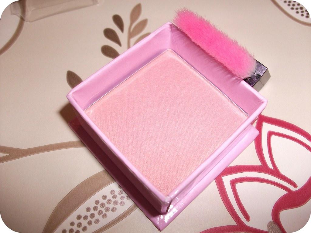 W7 Candyfloss Brush