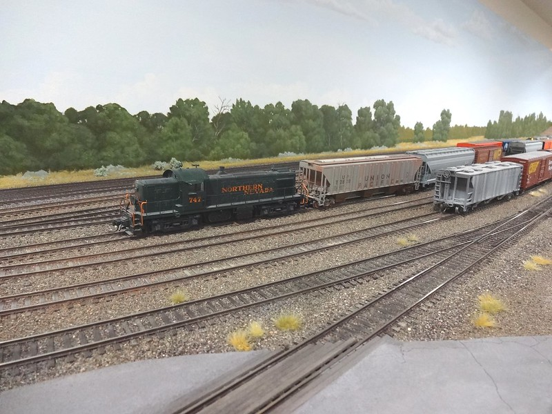 Weathering Track, Colours/Paint To Use  - Model Railroader Magazine