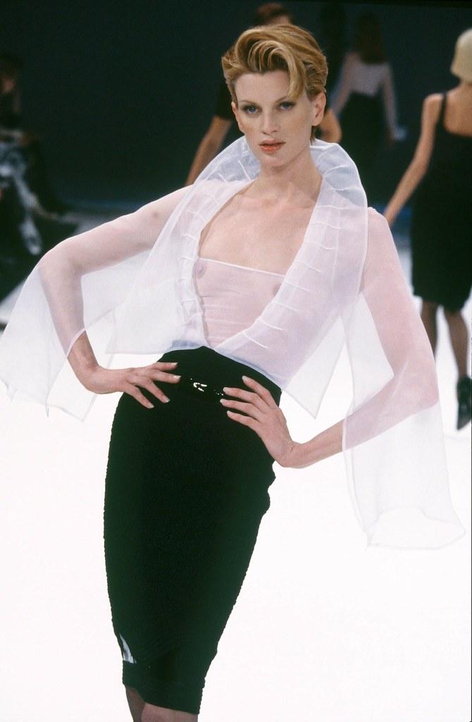 mostra-gianfranco-ferre-prato-la-camicia-bianca