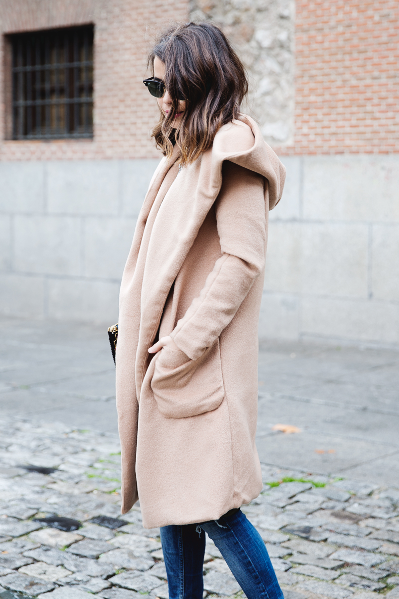 Nude_Coat-Ripped_Jeans-White-Street_Style-Outfit-Collage_Vintage-40