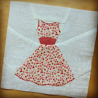 Replacement bee block for @wheretheorchidsgrow. Her theme was 50's housewife. #cocoricobee