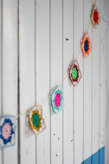 wood & wool garland
