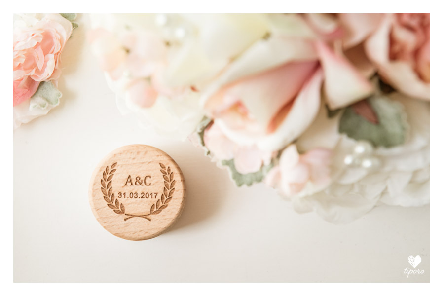 wooden ring box, pink wedding bouquet