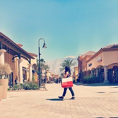 👜 last hurrah at the outlets   @eacarlosmalvar   #cabazon #california #shop #shopping #katespade ♠ #adidasph #adidas @adidasph #stellamccartneyadidas #stellamccartney #adidasboost #boost #3stripesstyle