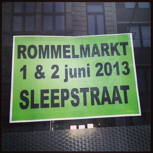 Volgende week rommelmarkt in de Sleepstraat. Wie komt me vergezellen met zijn rommel? Of wie komt mijn rommel kopen?