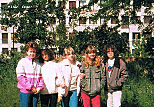 lycéens de Salon-de-Provence en blousons dans la fraîcheur du 25 mai 1983 météopassion
