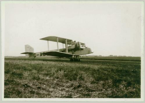 Twin engine biplane