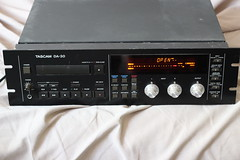communication device(0.0), compact disc(0.0), audio receiver(1.0), electronic device(1.0), multimedia(1.0), electronics(1.0), radio receiver(1.0),