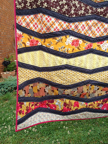 New Wave Quilt FO