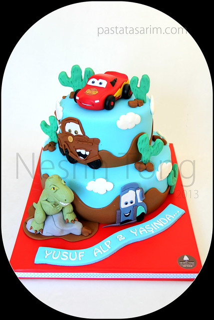 cars 2 and dinousours cake