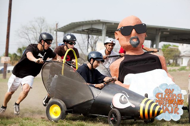 Dignowity Hill Pushcart Derby