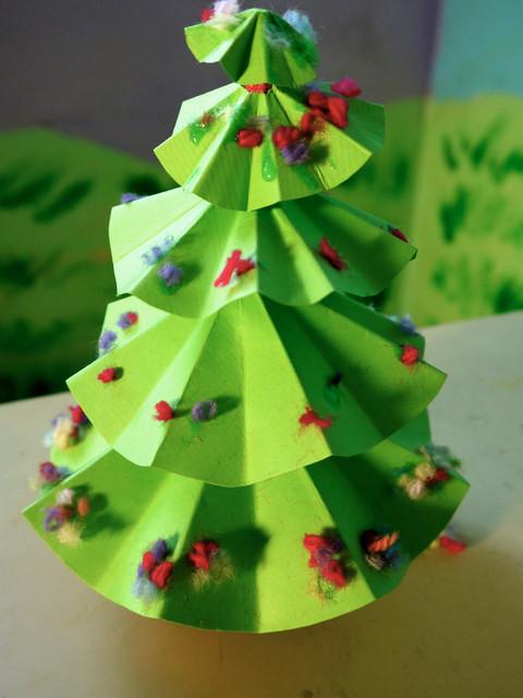 小学手工海绵纸树的步骤