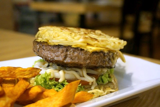 javries restaurant gurney paragon Penang - ramen burger-008