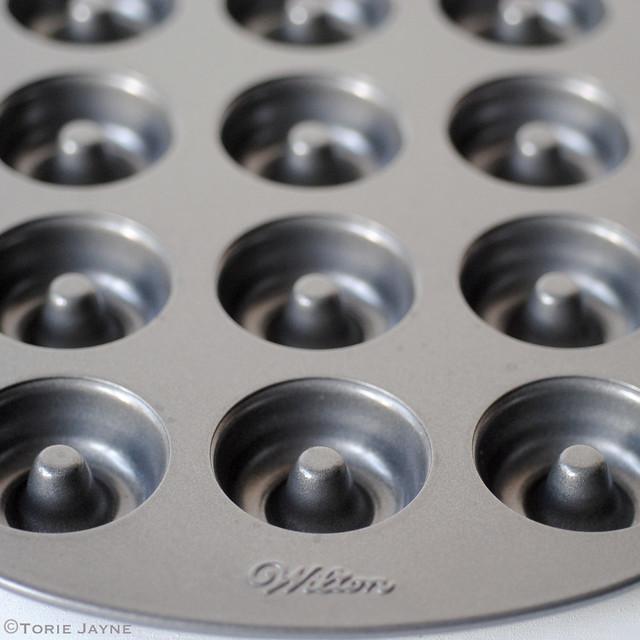 Wilton doughnut tin