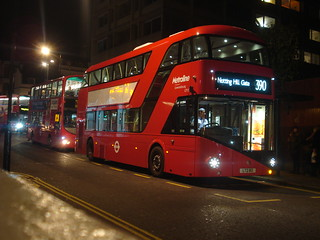 Metroline LT112 on Route 390, Notting Hill Gate