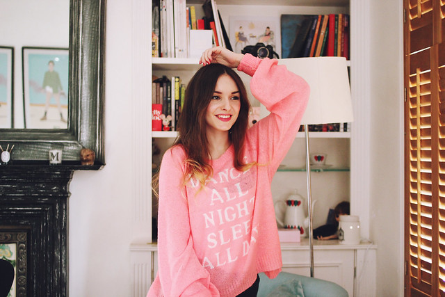 Wildfox Sleep All Day Jumper Outfit