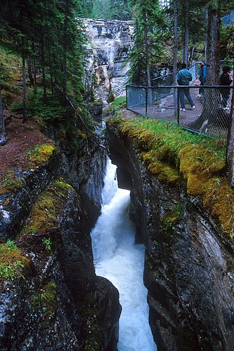 Malign Canyon, Mount Robson, Mount Robson Provincial Park, Canadian Rocky Mountains, British Columbia