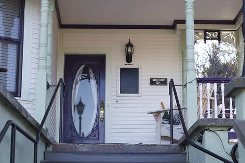 Entrance at Shasta MountInn