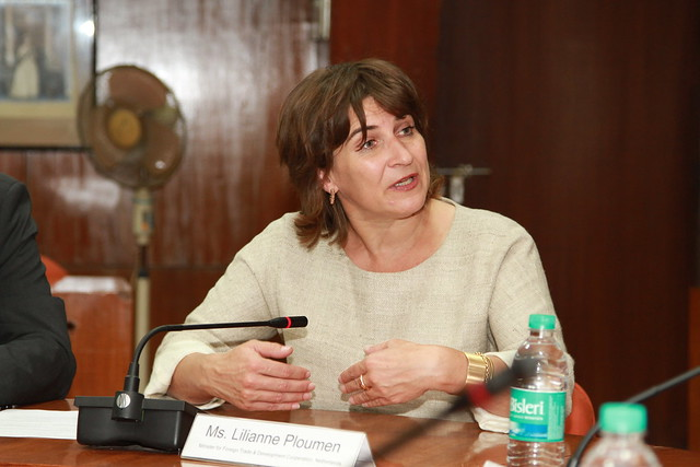 Lilianne Ploumen, defensora da proposta e ministra de Comércio e Cooperação Internacional da Holanda -- país que propôs a criação do fundo - Créditos: WikiCommons