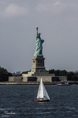 ellis manhattan newyork nuevayork statue color colour estatua isla island landscape libertad liberty nyc sea seascape view vista
