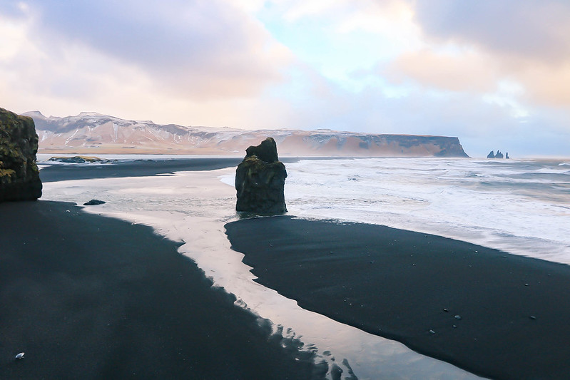 reynisfjara black sand beach is a must see in iceland. Black Bedroom Furniture Sets. Home Design Ideas