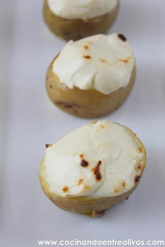 Patatitas rellenas de queso de cabra www.cocinandoentreolivos (7)