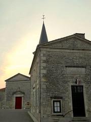 Pissotte Eglise et Mairie