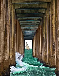 Scripps Pier Underside