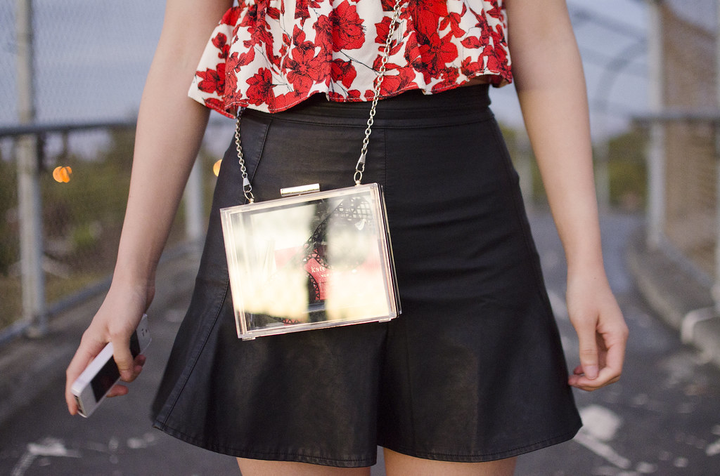 clear box clutch, transparent clutch, readytwowear, high waisted pleater skirt, tulip skirt, tobi skirt